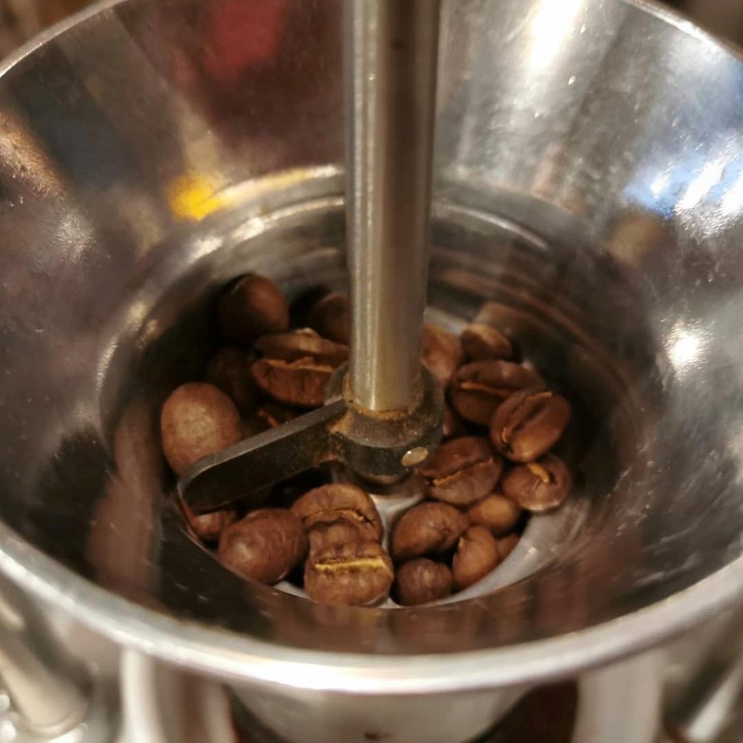 SKB / Kaffee mit Profil · Kaffeevermahlung · Grind on demand
