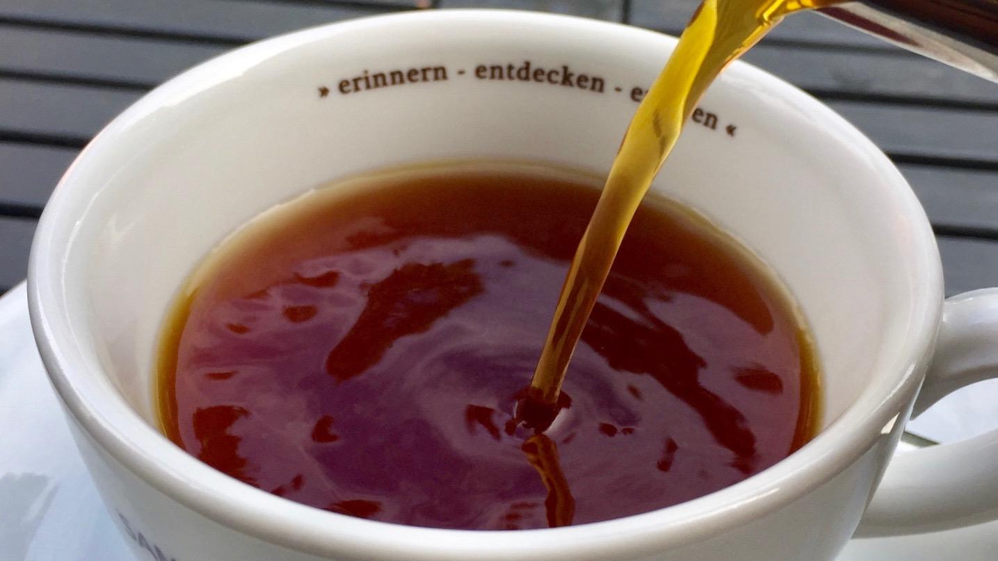 SKB /  Schwarzer Kaffee - frisch aufgebrüht / Kaffee mit Profil